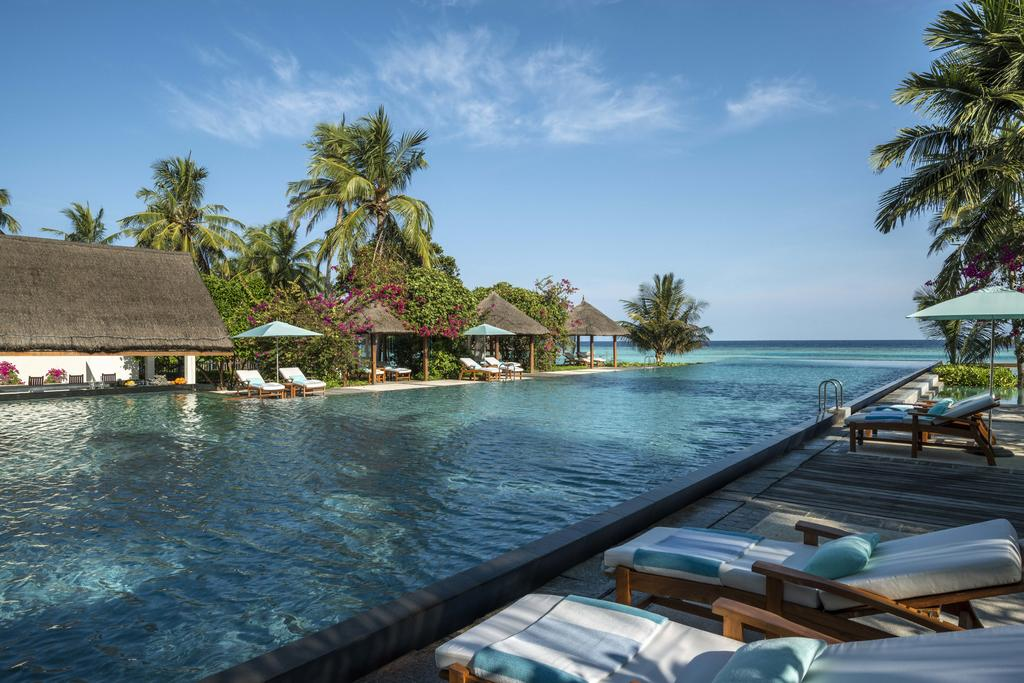 Four Seasons Resort Maldives at Landaa Giraavaru 5*