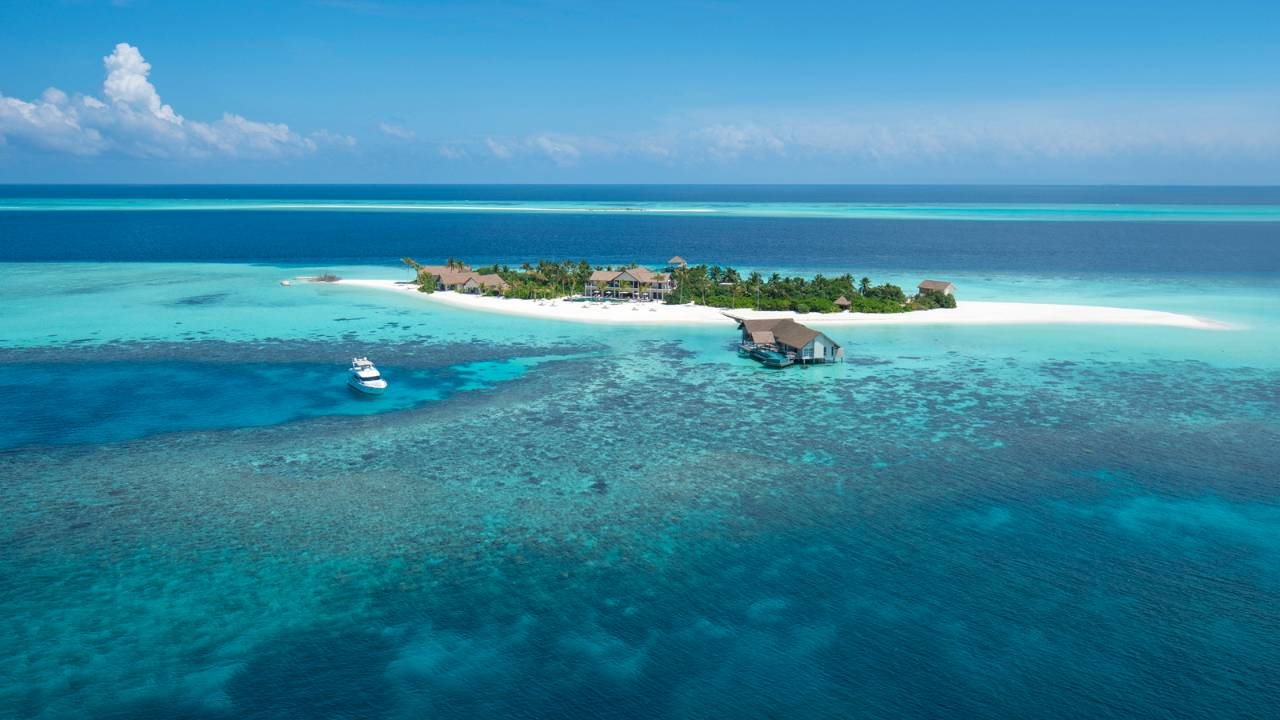 Four Seasons Private Island Maldives at Voavah 5*